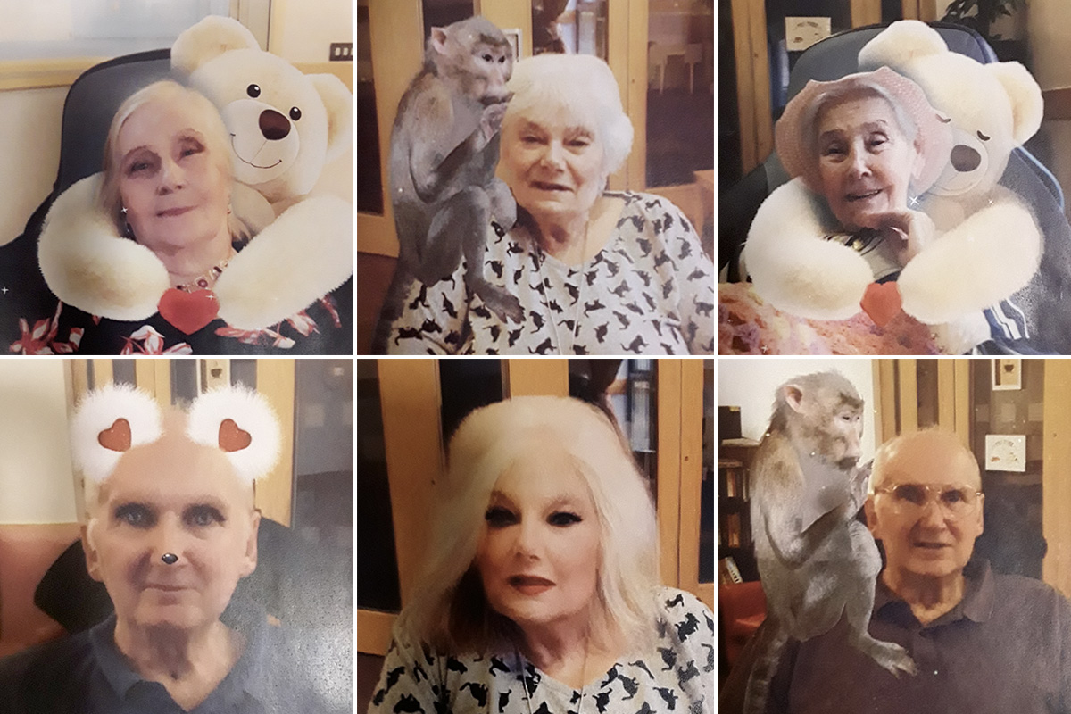Hengist Field Care Home residents have some Snapchat photo fun