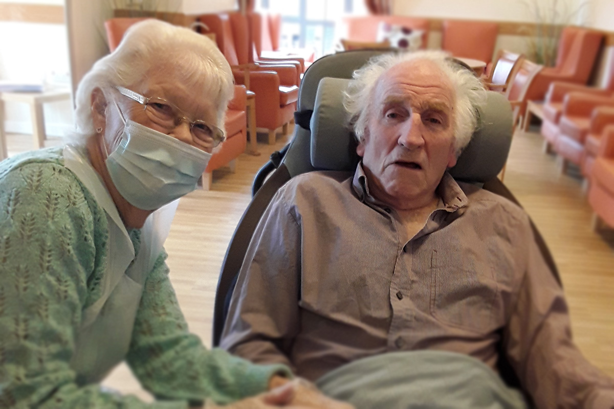 Ken and Pam celebrate their 65th wedding anniversary at Hengist Field Care Home