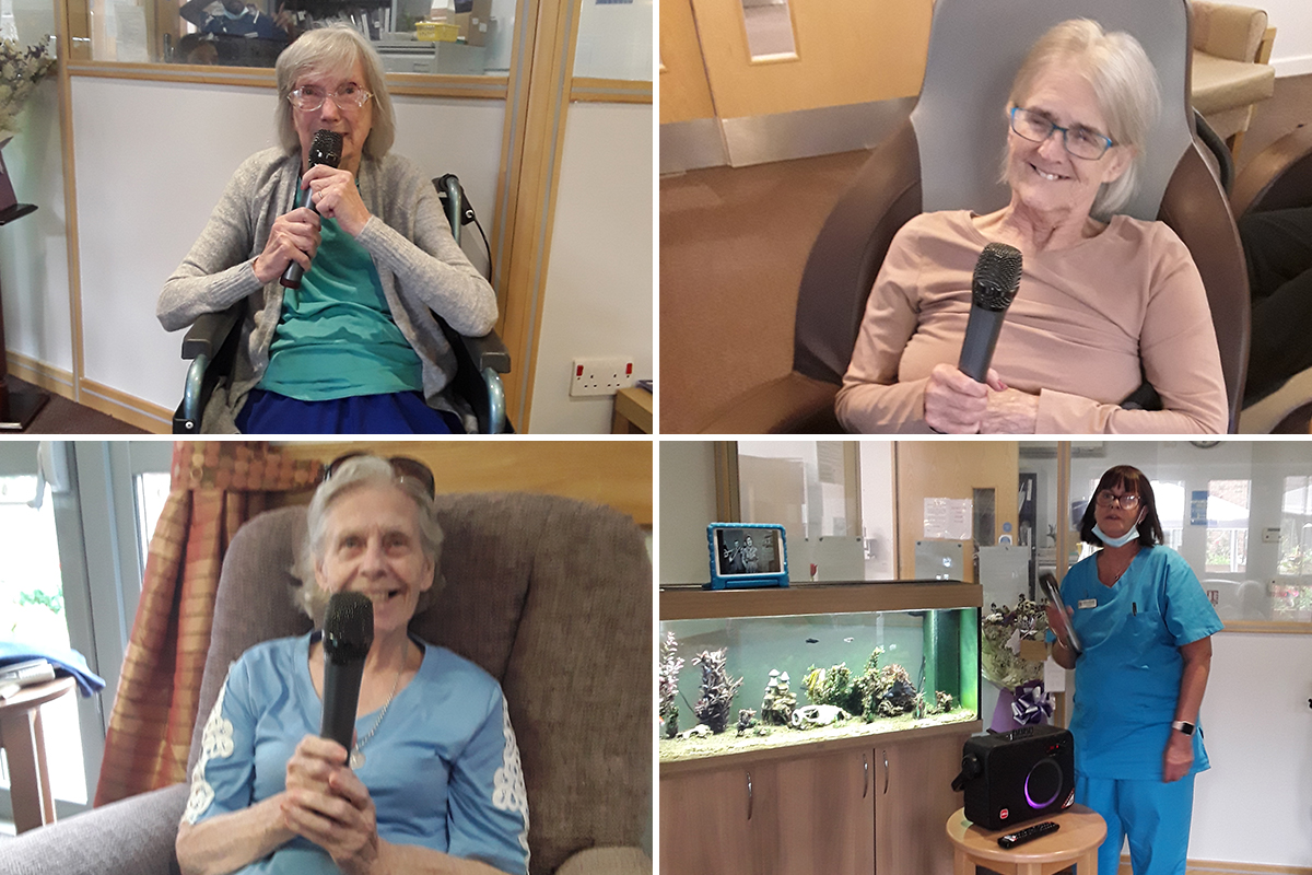 An afternoon of karaoke at Hengist Field Care Home